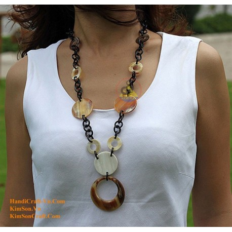 Natural circle horn necklace - Model 0020