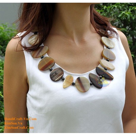 Natural horn necklace - Model 0051