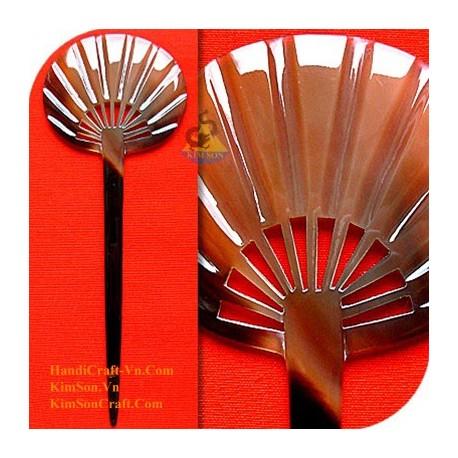 Вентилятор Органические Хорн волос Придерживайтесь