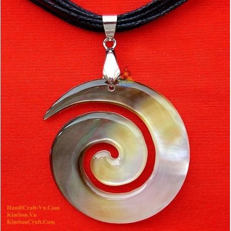 Exquisite handgemachte natürliche Shell Anhänger Halskette