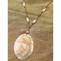 Pendant oval brown mother of pearl
