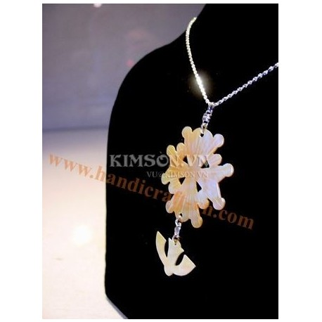Pendant huguenot cross and silver chain, golden mother of pearl