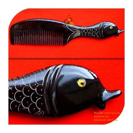 実際角櫛 - 彫刻魚ブラックホーン - 006