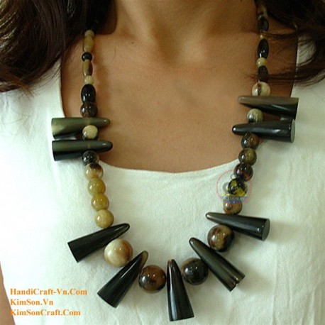 Natural circle horn necklace - Model 0004