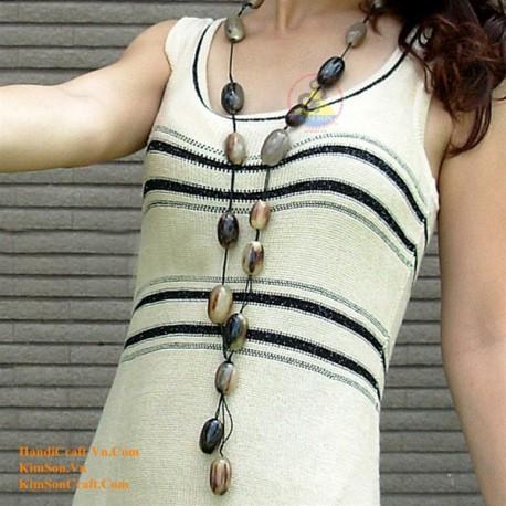 自然な円形ホーン ネックレス - モデル 0005