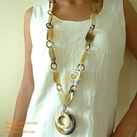 Natural circle horn necklace - Model 0003
